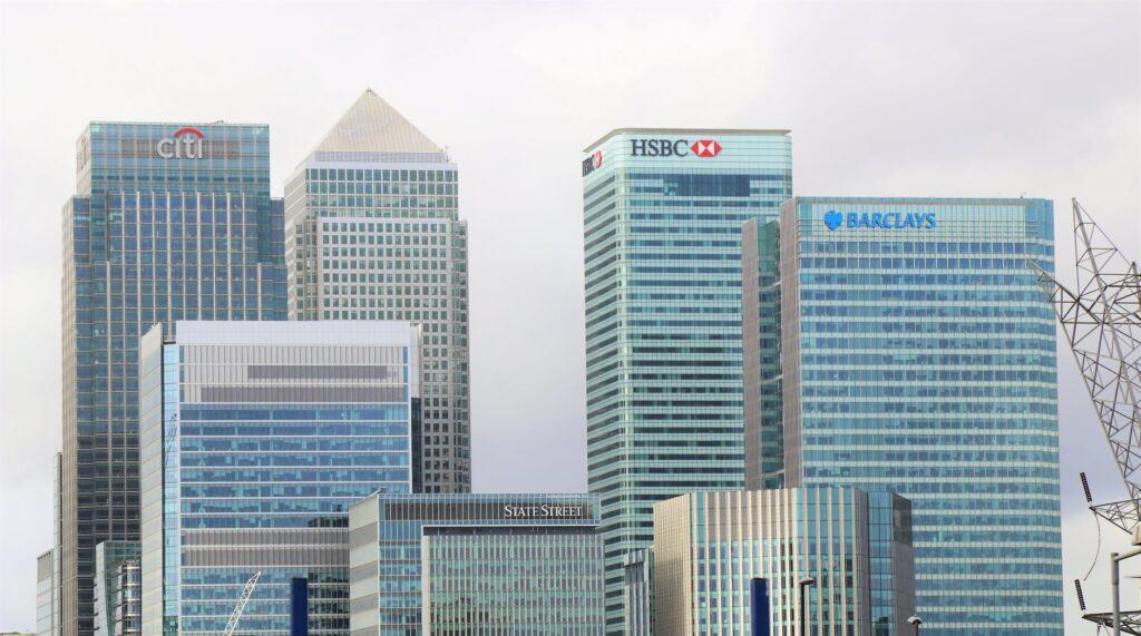 copytradingitalia-cosa-sono-le-azioni-e-come-funzionano-banche